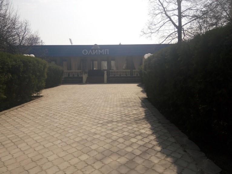 Нежила будівля (використовується як ресторан) за адресою: м. Запоріжжя, вул. Леонова, (бульвар Парковий), буд. 15
