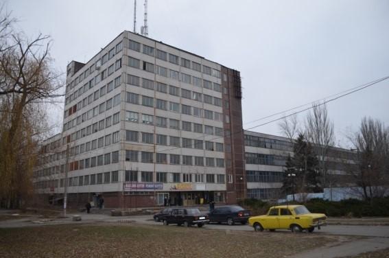 Нежиле приміщення загальною площею 95,9 кв.м., що розташоване за адресою: м. Кривий Ріг, вул. Січеславська, б.23