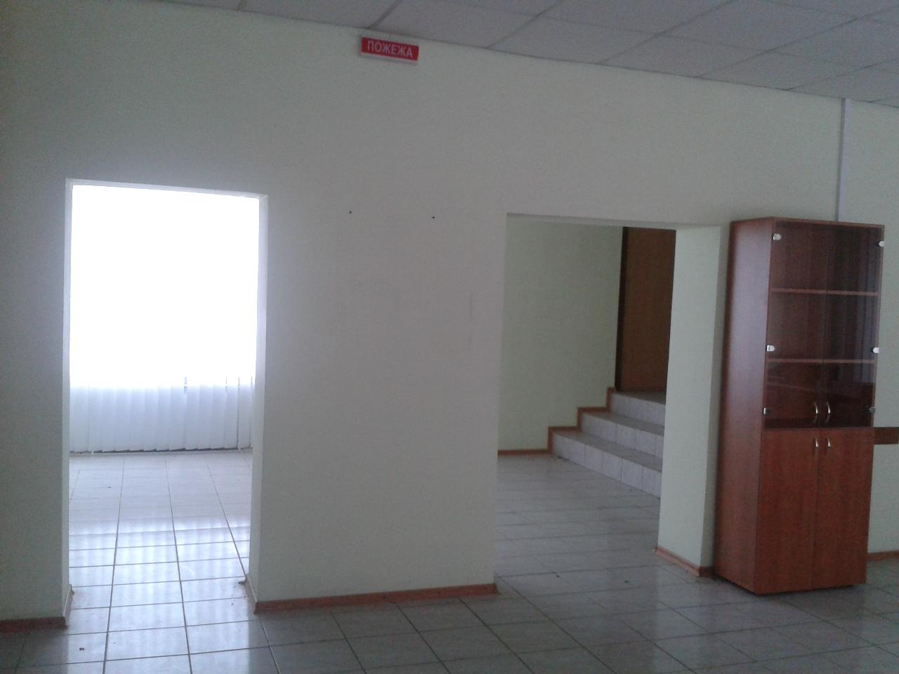 Нежиле приміщення, адміністративний будинок  (літера А), загальною площею 143,9 кв.м, в м. Ямпіль