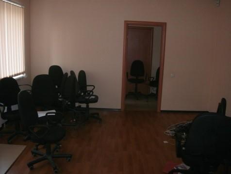 Нежитлове приміщення площею 23,53 кв.м, що розташоване в м. Полтава