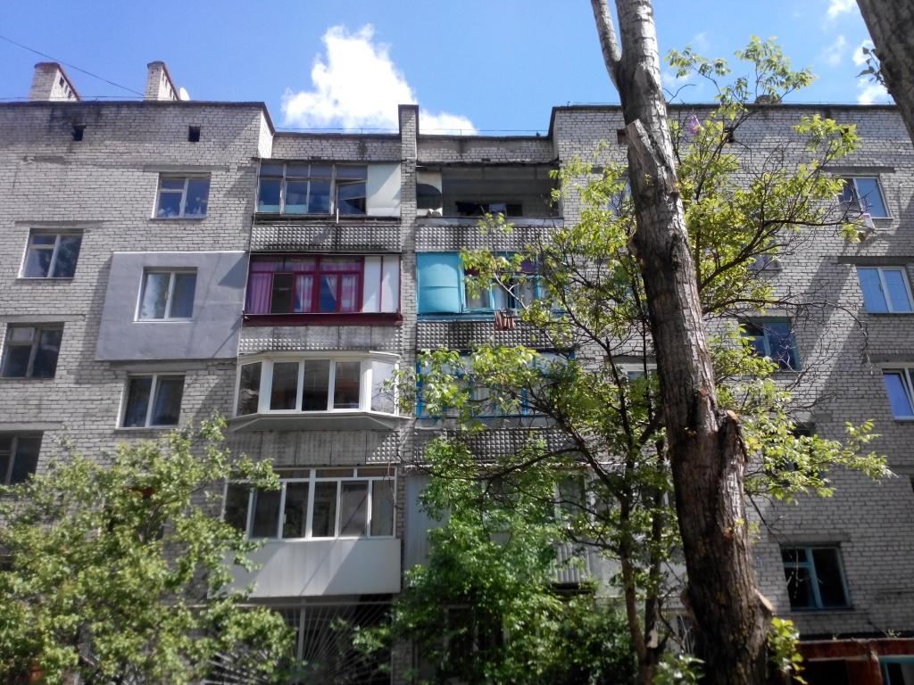 Трикімнатна квартира загальною площею 65,1 м.кв. за адресою: м. Миколаїв, вул. Космонавтів, буд. 146 Г, кв.28